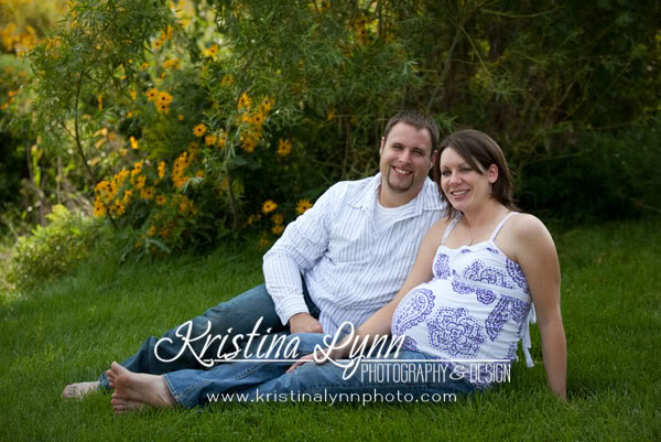 Twin Cities Maternity Portrait session outdoors Stillwater MN