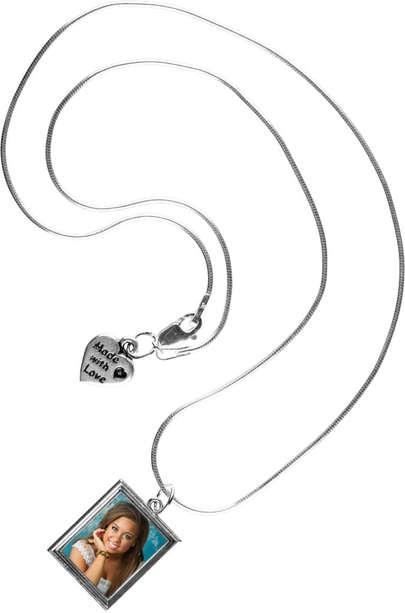Beth Necklace photo jewelry