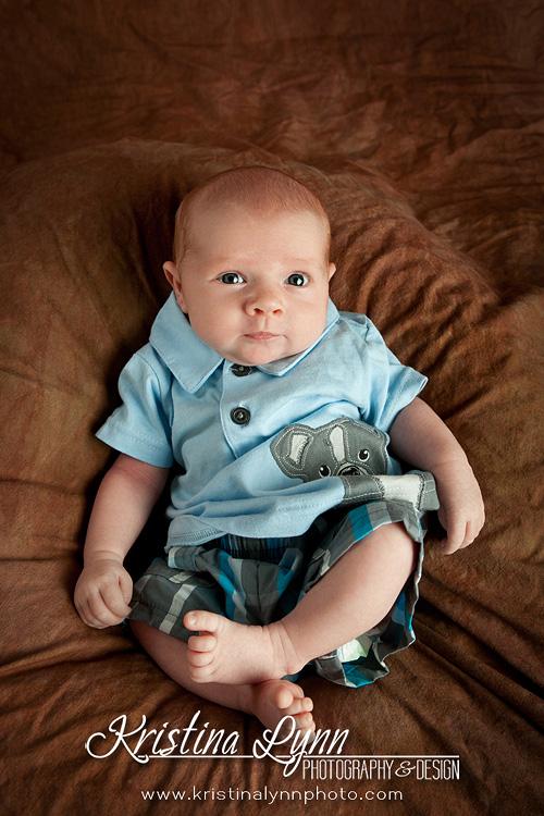 Denver Colorado portrait photographer Kristina Lynn features a newborn session on her blog.
