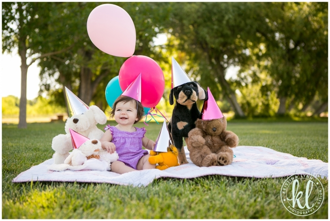 Denver Colorado portrait photographer that specializes in colorful, stylish and modern portraits for newborns, kids and high school seniors.