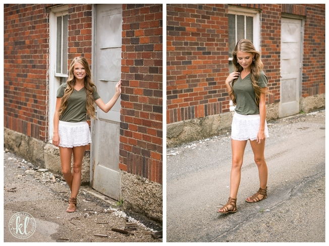 An olive green top paired with white crochet shorts makes for a classic look for a high school senior girl | Image by Kristina Lynn Photography & Design.