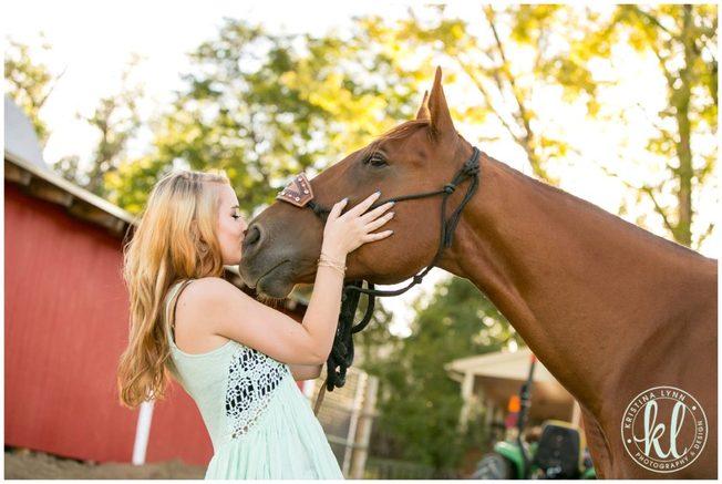 Senior photos on a horse farm in Colorado.