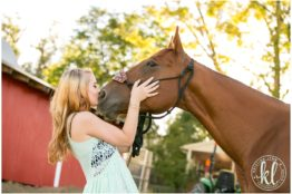 I love incorporating things my client loves into their high school senior photo session. Sammi loves horses, so of course we had to do a few photos at the farm in Colorado with her horse.