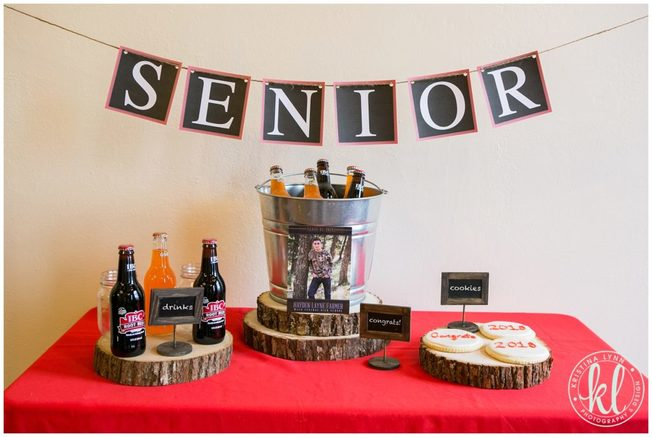 An easy DIY senior banner finishes off this simple decor idea perfect for the guys graduating this year.